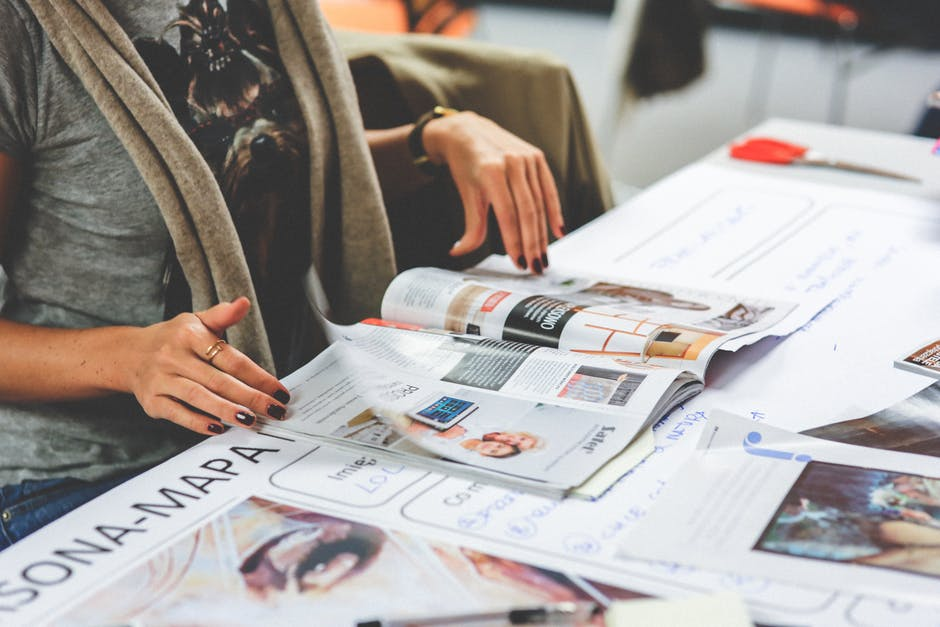 Why a Printed Brochure Is Still Better Than Online Ads